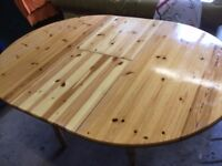 Round/Oval Wooden dining/kitchen extending table