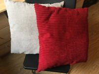 Pair of pillows red and beige brown