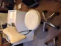 Hydraulic swivel stylist chair for sale