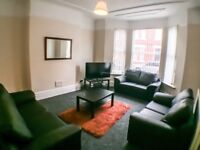 6 BED STUDENT HOUSE AMPTHILL ROAD ALL INC NO DEPO HALF RDNT IN SUMMER