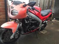 Triumph sprint 955i naked street fighter type motorbike