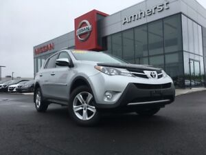 2013 Toyota RAV4 XLE AWD AND GREAT ON GAS!
