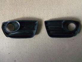 Fiat Punto 2000-2005 front fog light plastic bumper trim vents left and right pair