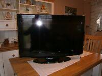 "32""LCD HD ready Silver Crest TV"