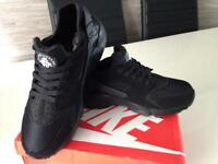 nike air huarache black size 9 - new