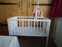 White Crib/Cot with mattress, 4x Grobags (0-6m) and Wimmer-Ferguson mobile