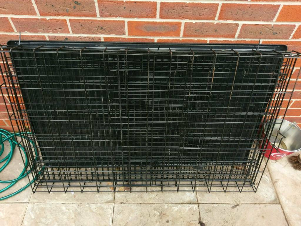 Large fold away dog crate / cage 120 by 76 cm