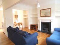 3 bedroom house in Thorpebank Rd, London, W12