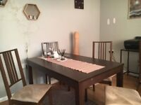 Ikea dining table +6 chairs