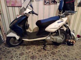 2010 125cc auto Chinese scooter. Mot, been rebuilt with many new parts and is low mileage.