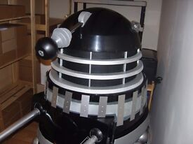 Full size DR Who Dalek. Black/silver 'Remembrance of the Daleks' version prop.