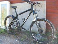 Mens Custom Built All Mountain 4X Enduro Downhill Jump XC Hard Tail Bike Like Specialized Kona Trek