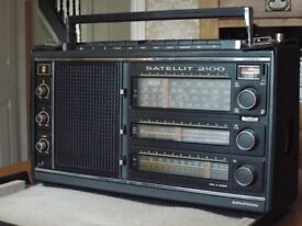 Grundig Satellit 2100 World Radio Receiver Rare Collectors Item with Black Case