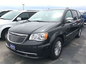 2012 Chrysler Town & Country LIMITED**LEATHER**NAVIGATION**SUNRO