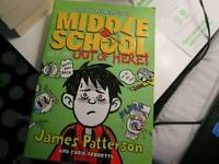 Middle School: Get me out of here - James Patterson
