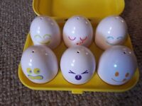 Tomy Hide and Squeak Eggs