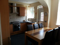 Fully Furnished Double Room In Luxurious House to share/ **All Bills And Wifi Internet Included **/