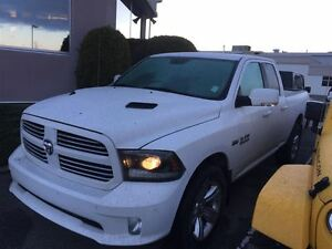 2015 Ram 1500 Sport 4X4 5.7L Hemi, Nav, Sunroof, remote start