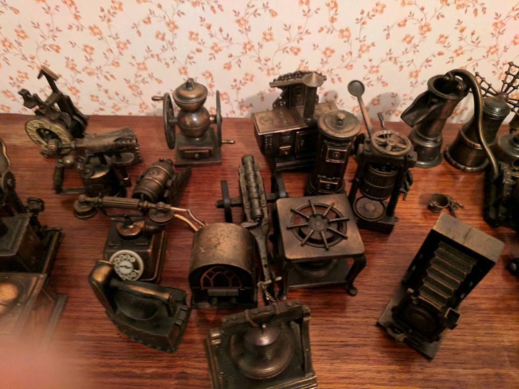 Play Me brand vintage Spanish Pencil Sharpener Collection