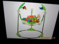 BABIES FISHER-PRICE RAIN FOREST JUMPEROO ACTIVITY CENTRE IN EXCELLENT CONDITION..