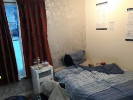 ~~DOUBLE ROOM IN BIG HOUSE~~