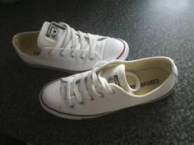Size 5 genuine woman's converse