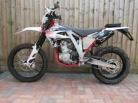 AJP PR 250 Enduro 2016 (Four Stroke/Liquid Cooled/Very Low Milage)