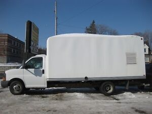 2007 GMC Savana Cutaway G3500, 16 foot cube,rear dually tires,a/