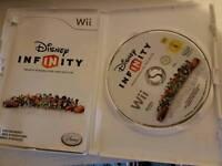 Wii Disney infinity game, 5 characters, storage bag bundle