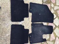 Black Hyundai ix35 car mats