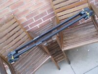 AUTO MAXI TRAFFIC UNIVERSAL CAR ROOF RACK FOR CARS WITH ROOF RAILS
