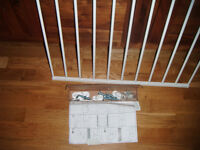 Brand New BabyDan No Trip Metal Stair Gate Safety Gate