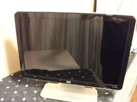 """HP w1907v pc Monitor 19"""". Very clear and clean. With built in sound. Leads included."""