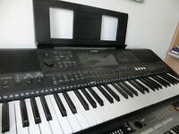Yamaha E453 keyboard