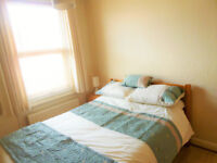 LOVELY ROOM AVAILABLE IN FRIENDLY HOUSE SHARE!