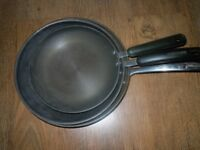 3 CIRCULON PANS AND 2 KITCHEN CRAFT POTS