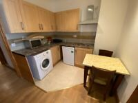 ALL BILLS INCLUDED, AVAILABLE NOW Large 2 bedroom flat on West Street