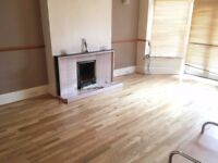 House 4 Bed 1 Bath Sitting Area To Dining Area To Kitchen Patio Doors To Garden NearTubeBusShops