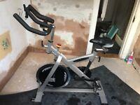 ES700 INDOOR EXERCISE BICYCLE