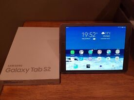 Samsung Galaxy Tab S2 SM-T810 32GB, Wi-Fi, 9.7in - Gold with cover in Excellent condition Tablet