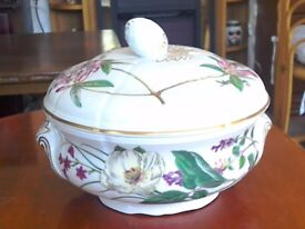 Spode vegetable tureen.