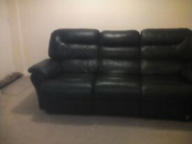 ***£250*** TOP GRADE BLACK REAL LEATHER HIDE FULLY RECLINING 2 SEAT AND 3 SEAT MATCHING SOFAS