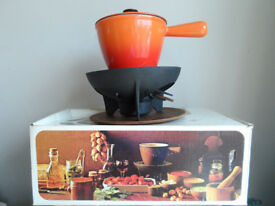 RETRO 1970's ORIGINAL LE CREUSET VOLCANIC ORANGE FONDUE PAN SET
