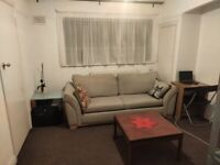 PRICE REDUCED Lovely 1 Bedroom flat for rent. Separate kitchen and separate bathroom. £925 per month