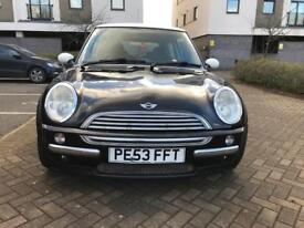 Mini Mini Cooper 1.6i with 11 months MOT, 2 keys in good condition for sale!!!