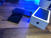 iPhone 7+ 16gb in great great condition with box, cable and plug