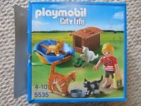 Pre-owned Playmobil City Life Cat and Kittens with basket (in box)