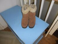 Womens/Girls Genuine UGG Boots Size 6