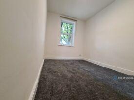 3 bedroom flat in Stratford, London, E15 (3 bed) (#1200394)