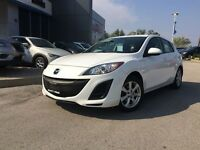 2011 Mazda MAZDA3 SPORT GX  LOOKING FOR A NICE ONE-YOU FOUND IT!